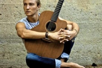 Calum Graham fingerstyle guitar